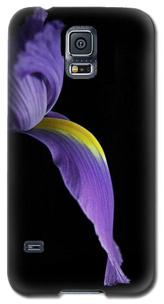 Galaxy S5 Case featuring the photograph Iris by Elsa Marie Santoro