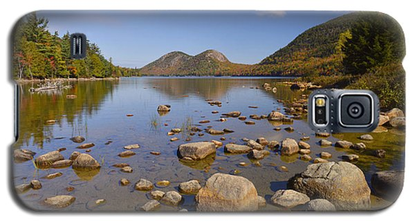 Galaxy S5 Case featuring the photograph Jordan Pond In Autumn by Stephen  Vecchiotti