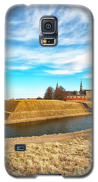 Galaxy S5 Case featuring the photograph Kronborg Castle In Helsingor by Antony McAulay