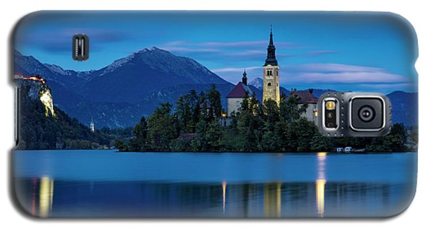 Galaxy S5 Case featuring the photograph Lake Bled Twilight by Brian Jannsen