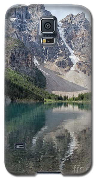 Galaxy S5 Case featuring the photograph Lake Maligne by Patricia Hofmeester