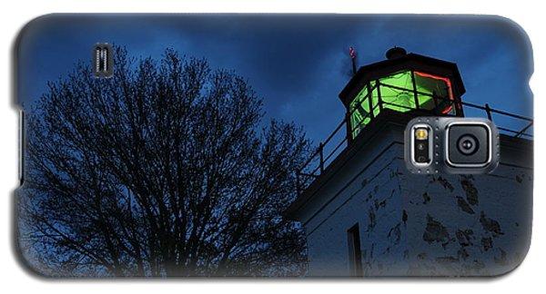 Lighthouse At Night Galaxy S5 Case by Joe  Ng