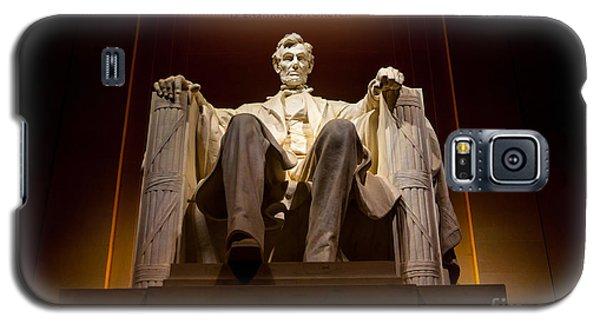 Lincoln Memorial Galaxy S5 Case - Lincoln Memorial At Night - Washington D.c. by Gary Whitton