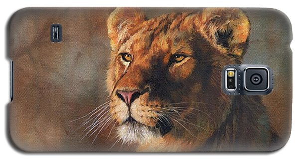 Galaxy S5 Case featuring the painting Lioness Portrait by David Stribbling