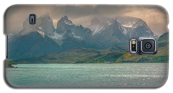 Galaxy S5 Case featuring the photograph Los Cuernos  by Andrew Matwijec