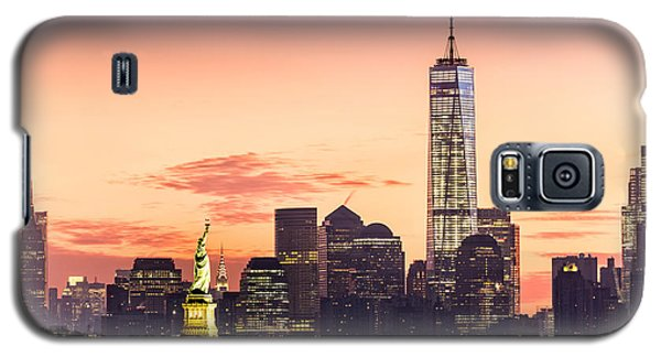 Lower Manhattan And The Statue Of Liberty At Sunrise Galaxy S5 Case