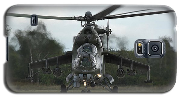 Galaxy S5 Case featuring the photograph Mil Mi-24v Hind E by Tim Beach