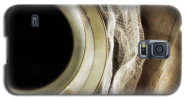 Galaxy S5 Case featuring the photograph Morning Coffee by Bonnie Bruno