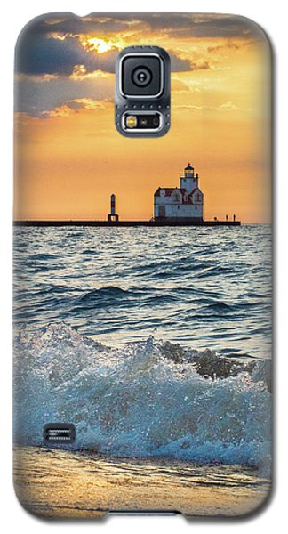 Galaxy S5 Case featuring the photograph Morning Dance On The Beach by Bill Pevlor