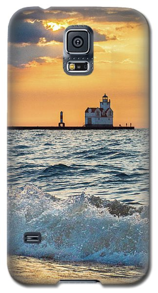 Morning Dance On The Beach Galaxy S5 Case