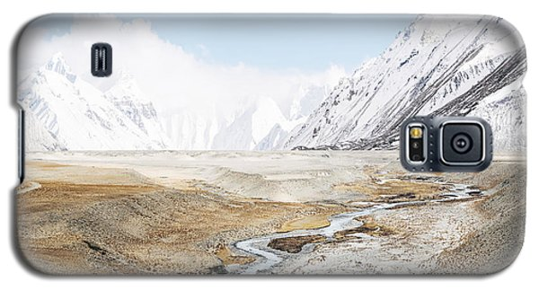 Galaxy S5 Case featuring the photograph Mount Everest by Setsiri Silapasuwanchai