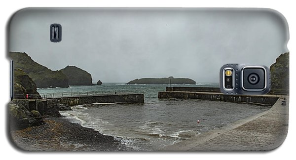 Galaxy S5 Case featuring the photograph Mullion Cove by Brian Roscorla
