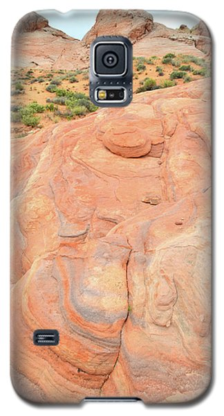Galaxy S5 Case featuring the photograph Multicolored Wave In Valley Of Fire by Ray Mathis
