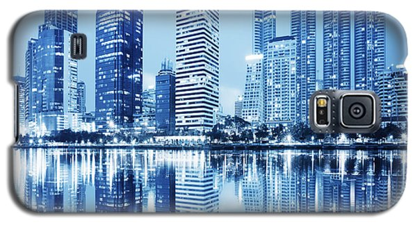 Night Scenes Of City Galaxy S5 Case by Setsiri Silapasuwanchai