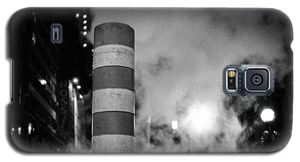 Galaxy S5 Case featuring the photograph Night Steam Nyc by Dave Beckerman