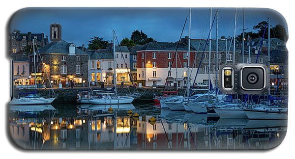 Galaxy S5 Case featuring the photograph Padstow Evening by Brian Jannsen