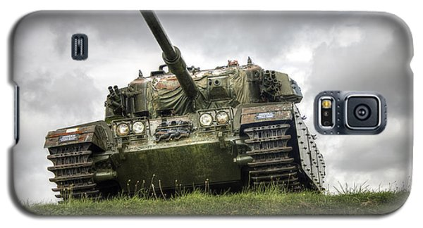 Galaxy S5 Case featuring the photograph Tank by Gouzel -