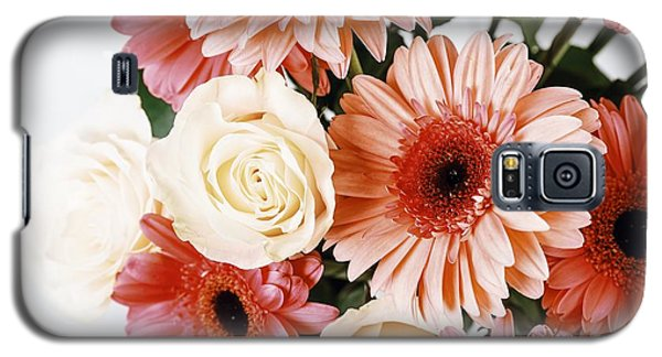 Pink Gerbera Daisy Flowers And White Roses Bouquet Galaxy S5 Case