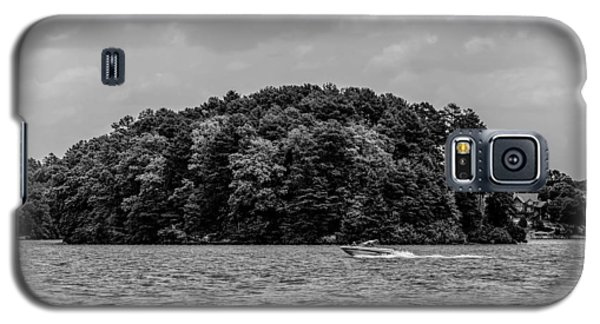 Relaxing On Lake Keowee In South Carolina Galaxy S5 Case by Alex Grichenko