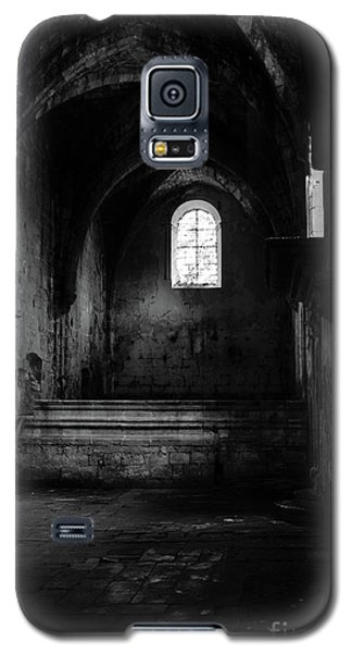 Rioseco Abandoned Abbey Nave Bw Galaxy S5 Case by RicardMN Photography