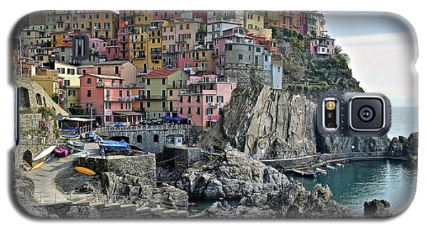 Galaxy S5 Case featuring the photograph Seaside Village by Frozen in Time Fine Art Photography