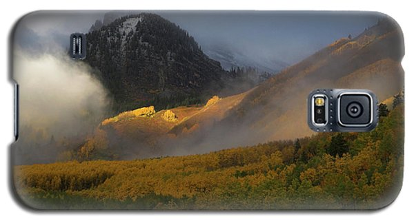 Galaxy S5 Case featuring the photograph Siever's Mountain by Steve Stuller