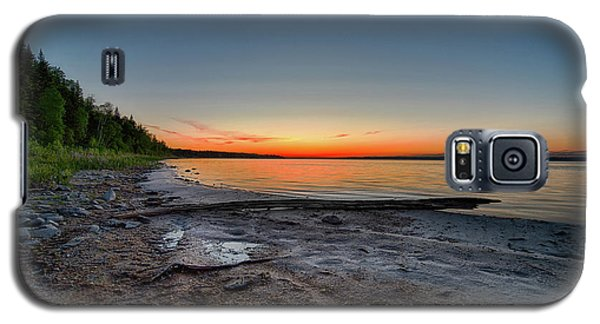 Galaxy S5 Case featuring the photograph Skeleton Lake Beach At Sunset by Darcy Michaelchuk