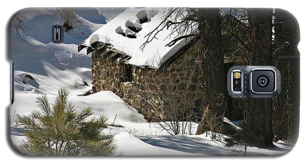 Snow Cabin Galaxy S5 Case
