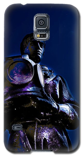 Galaxy S5 Case featuring the photograph Sponge Diver by Randy Sylvia