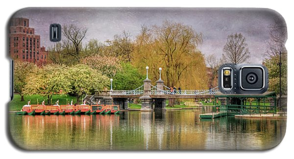 Galaxy S5 Case featuring the photograph Spring In The Boston Public Garden by Joann Vitali
