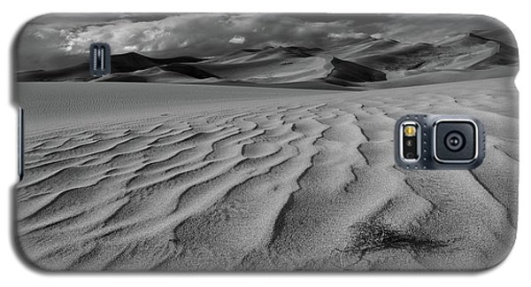 Storm Over Sand Dunes Galaxy S5 Case