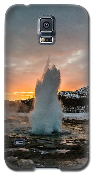 Strokkur Winter Blowup In Front Of Sunset Galaxy S5 Case