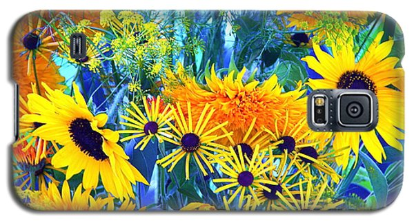 Galaxy S5 Case featuring the photograph Summer Bouquet by Byron Varvarigos