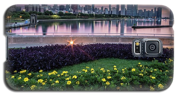 summer flowers and Chicago skyline Galaxy S5 Case