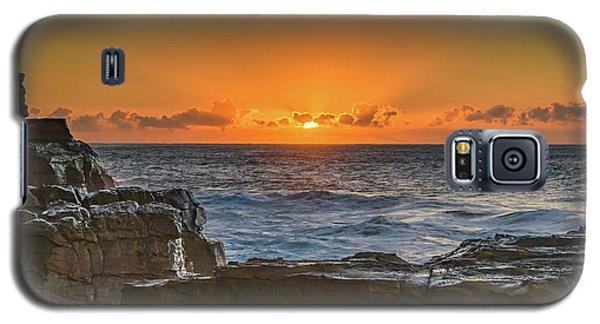 Sun Rising Over The Sea Galaxy S5 Case