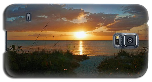 Sunset At Delnor Wiggins Pass State Park Galaxy S5 Case by Robb Stan