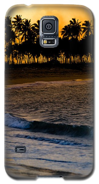 Sunset At The Beach Galaxy S5 Case by Sebastian Musial