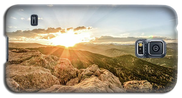 Galaxy S5 Case featuring the photograph Sunset Over The Mountains Of Flaggstaff Road In Boulder, Colorad by Peter Ciro