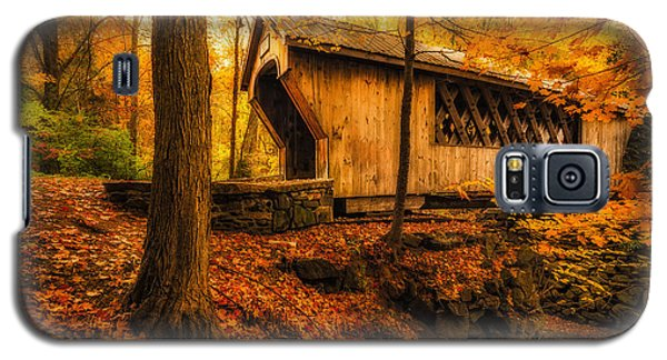Galaxy S5 Case featuring the photograph Tannery Hill Bridge by Robert Clifford