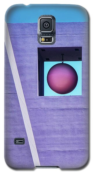 The Purple Tower At Pershing Square Galaxy S5 Case by Gary Slawsky