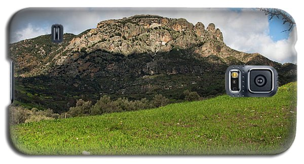 Galaxy S5 Case featuring the photograph The Three Finger Mountain by Bruno Spagnolo