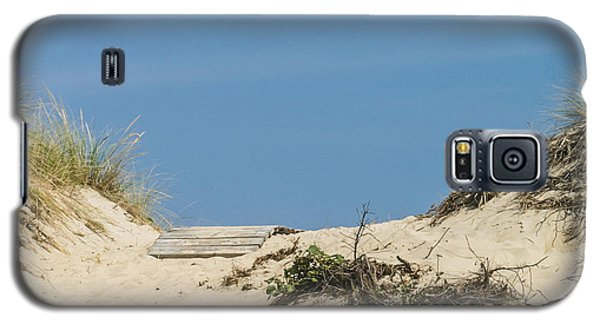 Galaxy S5 Case featuring the photograph This Way To The Beach by Michelle Wiarda