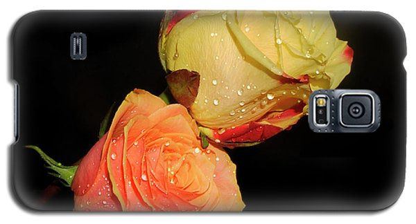 Galaxy S5 Case featuring the photograph Two Roses by Elvira Ladocki