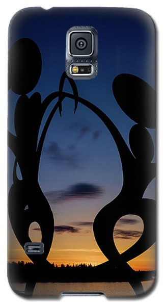 United In Celebration Sculpture At Sunset 5 Galaxy S5 Case