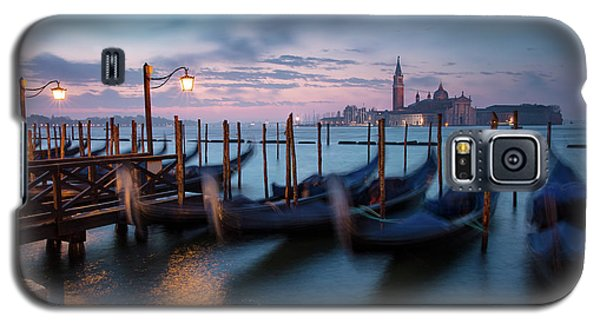 Galaxy S5 Case featuring the photograph Venice Dawn by Brian Jannsen