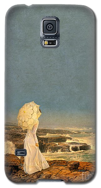 Victorian Lady By The Sea Galaxy S5 Case by Jill Battaglia