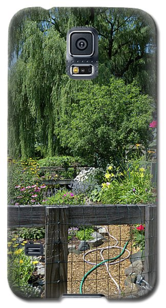 Galaxy S5 Case featuring the photograph Victory Garden Lot And Willow Tree, Boston, Massachusetts #30958 by John Bald