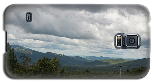 Galaxy S5 Case featuring the photograph View From Mount Washington by Suzanne Gaff