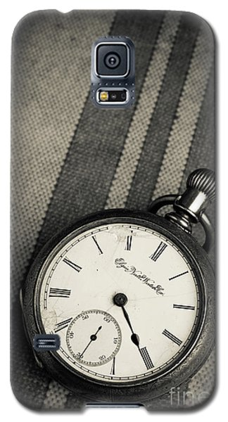Galaxy S5 Case featuring the photograph Vintage Pocket Watch by Edward Fielding