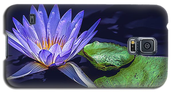 Galaxy S5 Case featuring the photograph Water Lily In Lavender by Julie Palencia